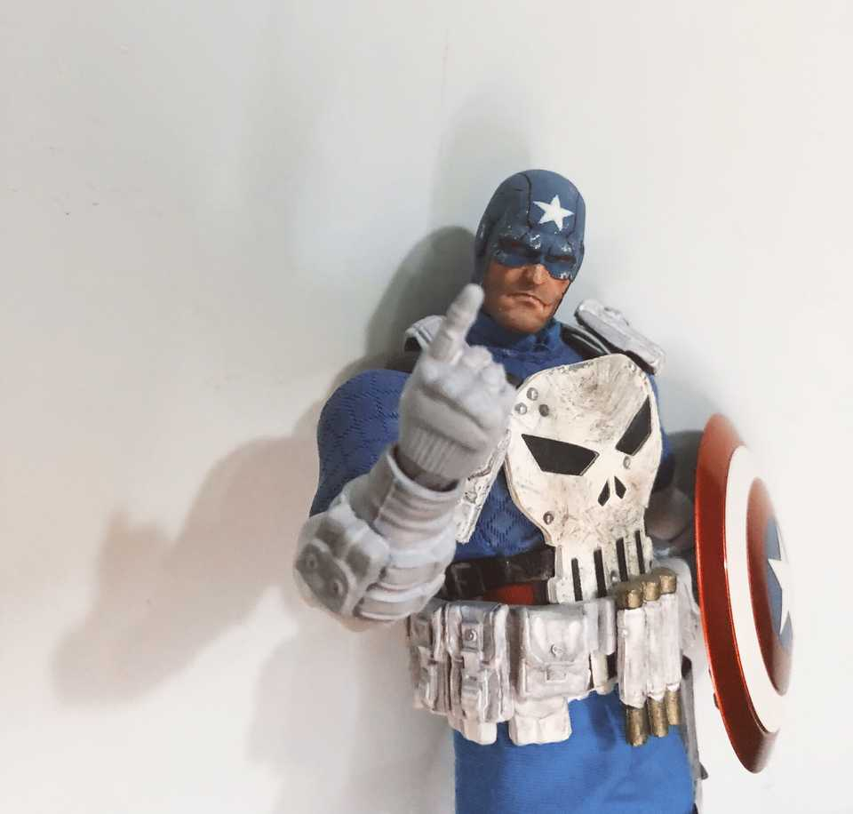 Mezco Captain America Punisher