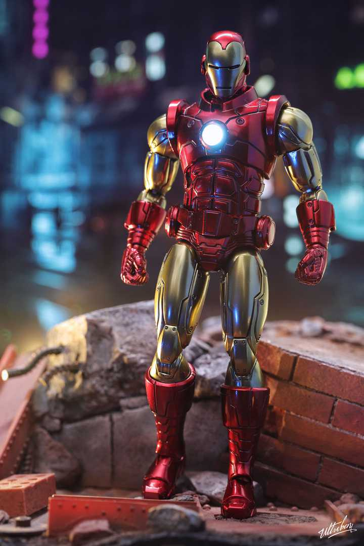 Mezco Iron Man Repaint