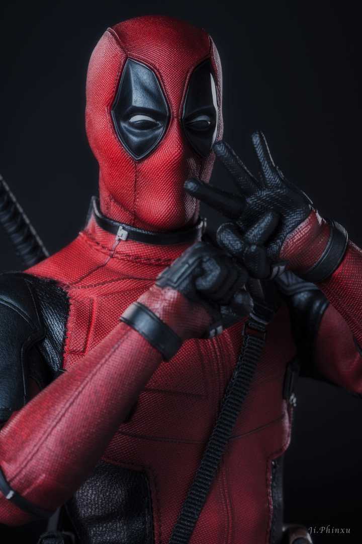 Deadpool 2 Deadpool 1/6th Scale Collectible Figure