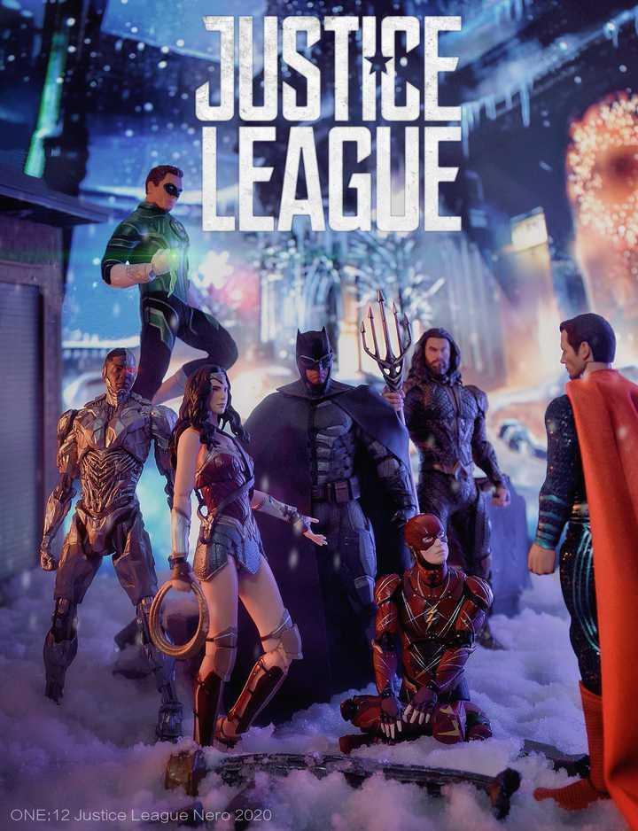 Justice League Mezco Mafex Mix